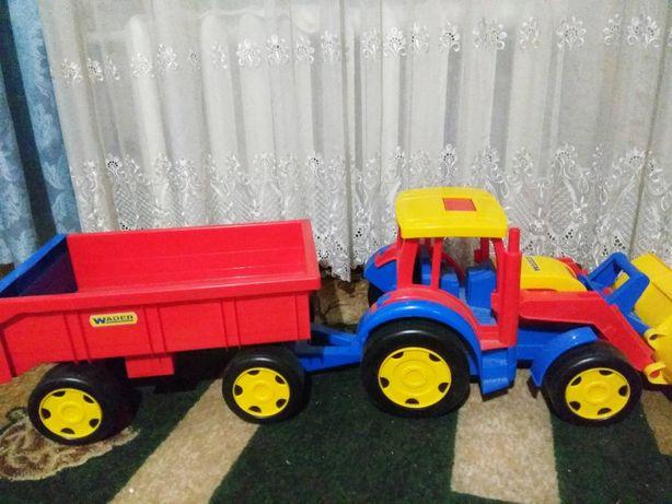 Большой трактор Gigant Wader с прицепом