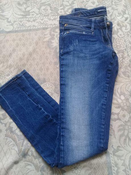Класні фірмові джинси 26 розміру S