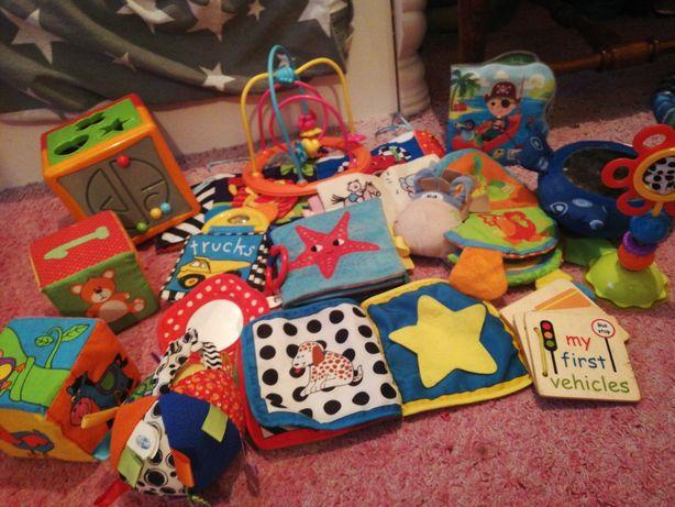 Zabawki książeczki dla najmniejszych