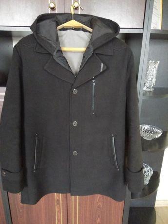 Продам чоловіче пальто.