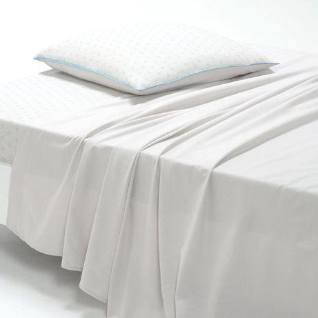 Простыни белые двуспальные 285х185см