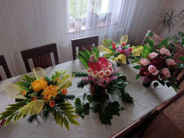 Stroiki na cmentarz kwiaty