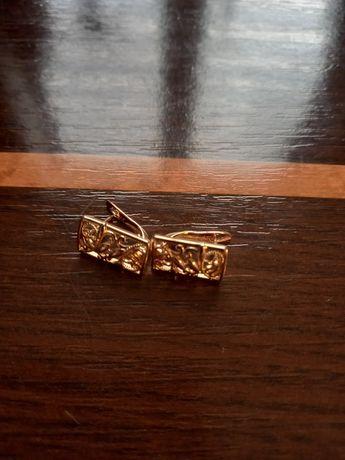 Złote kolczyki 0.585