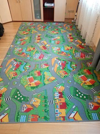 sprzedam dywan dziecięcy