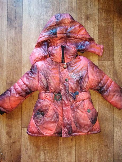 Куртка пальто на девочку!! Новая!!!