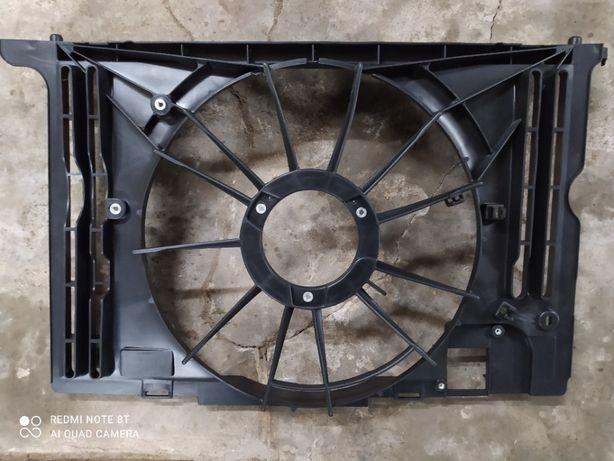 диффузор радиатора охлаждения Toyota Corolla 2013-2016 новый