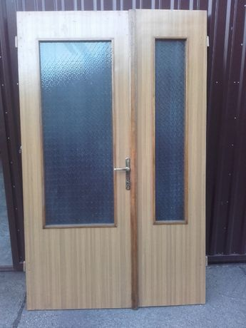 Sprzedam drzwi wyjściowe z drewna