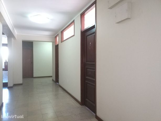 Escritório p/ arrendamento