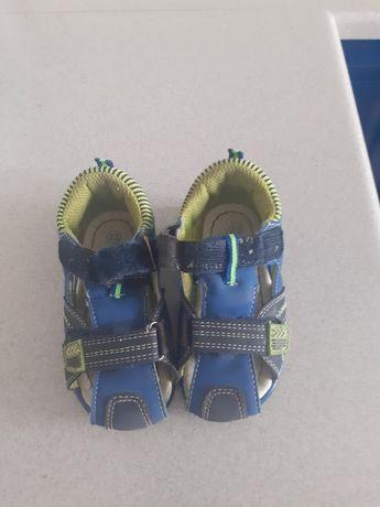 Sandały dla dziecka nr 22