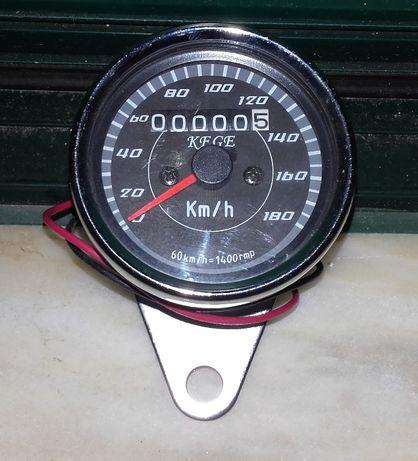 Conta-quilómetros universal cromado para motos