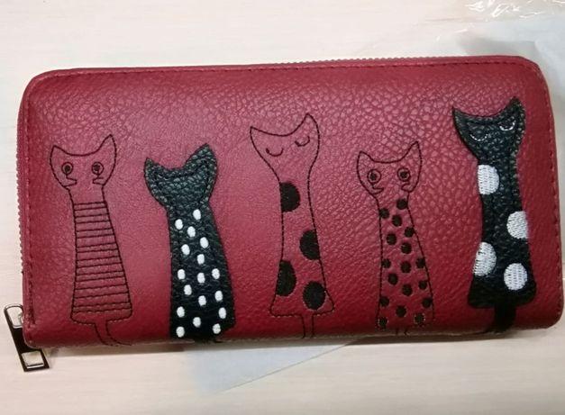 Молодежный кошелек с вышивкой и аппликацией в виде котиков