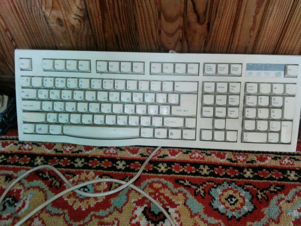 Клавіатура до комп'ютера