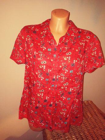 Czerwona kwiatowa koszula
