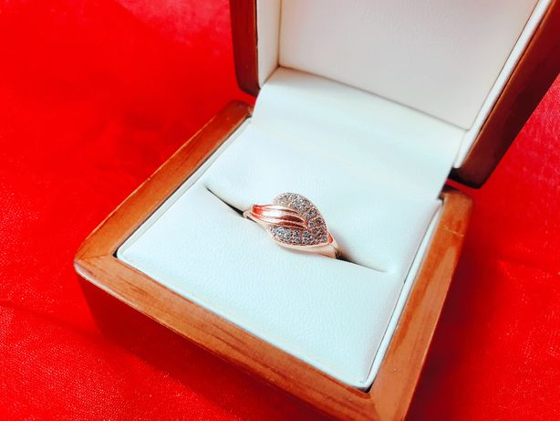 Piękny złoty Pierścionek Liść 2,11G 585 R.19