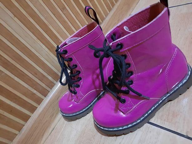 Рожеві ботіночки