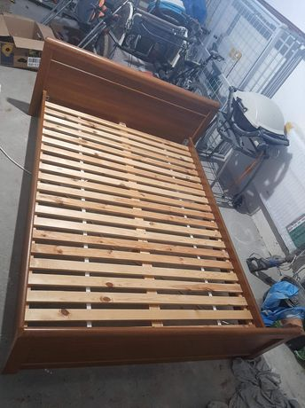 Łóżko/loże sypialniane w super stanie 140x200