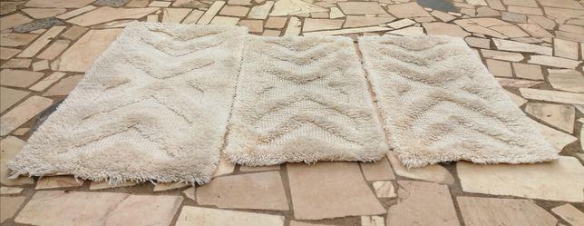 Tapetes de lã branco sujo bom estado
