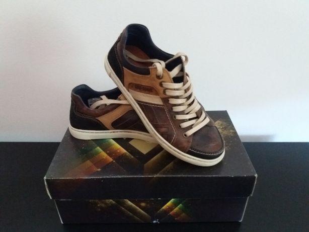Sapato - Tenis CapSport Nº 39