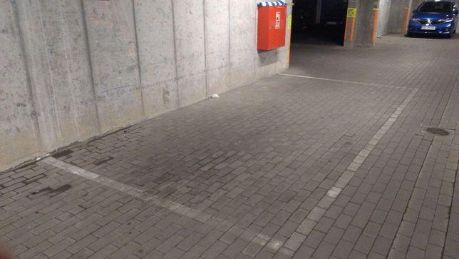 Garaż-miejsce garażowe Nowowiejskiego 9