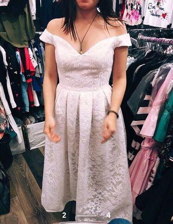 Продам праздничное белое платье