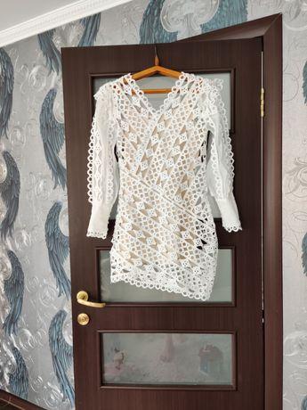 Продам плаття біле