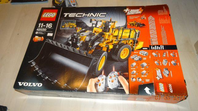 LEGO Technic 42030 Koparka VOLVO L350F komplet