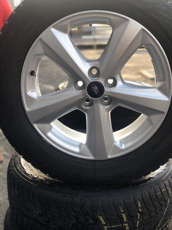 Ford kuga r18 235/60/18 nokian 5*108 edge