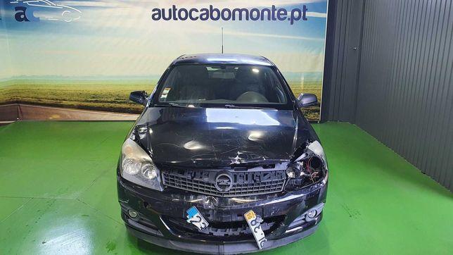 Opel Astra GTC - Salvado
