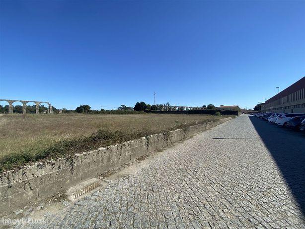 Terreno para construção de armazéns a 2min da autoestrada A28