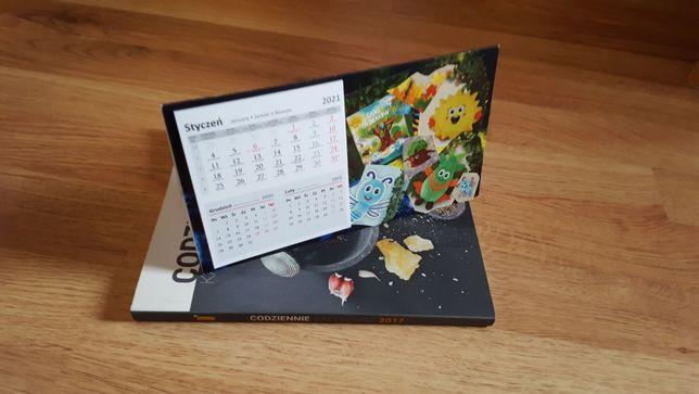 Książka kucharska oraz Kalendarz biurkowy Fajniaki 2021