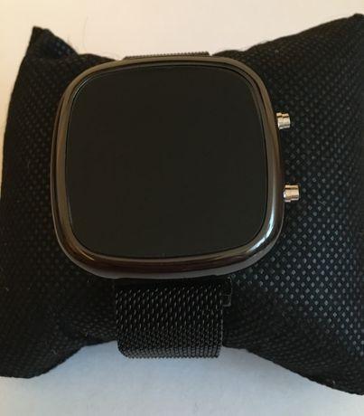 Zegarek Elektroniczny czarny pasek magne