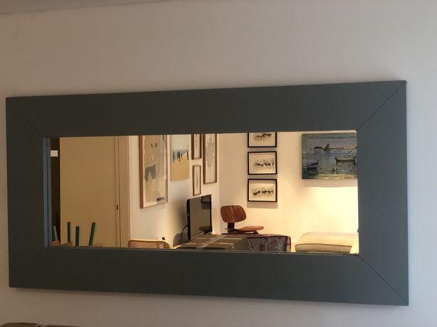 Espelho grande azul