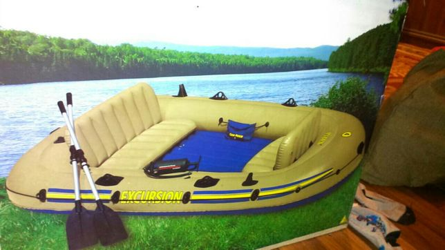 Двомісний надувний човен Intex