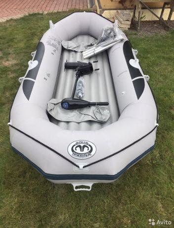 Barco aqua marina com motor
