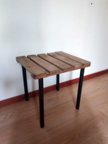 Mesa de apoio Rústica - 40 x 45