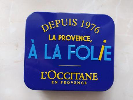 Металлическая подарочная Коробка L'Occitane. 85 на 95 на 25 мм