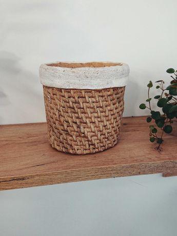 Osłonka, doniczka - różne (ceramiczne, materiałowe)