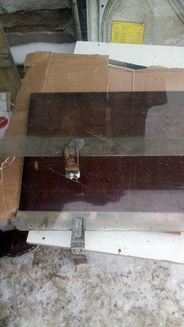 Тонированные боковые стекла из креплениями ВАЗ жигуль 2104 2105 2107