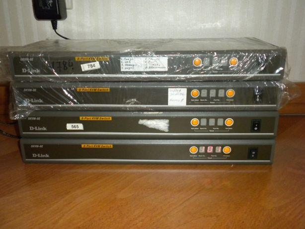 KVM свич 8 портов каскадируемый D-link dkvm-8e + 2 кабеля подключения
