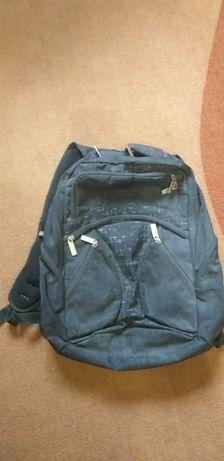 Школьный рюкзак (портфель)