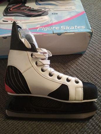 Коньки новые Figure skates