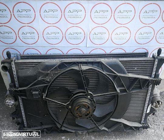 Conjunto radiador, radiador água, ar condicionado, intercooler e ventilador Renault Espace