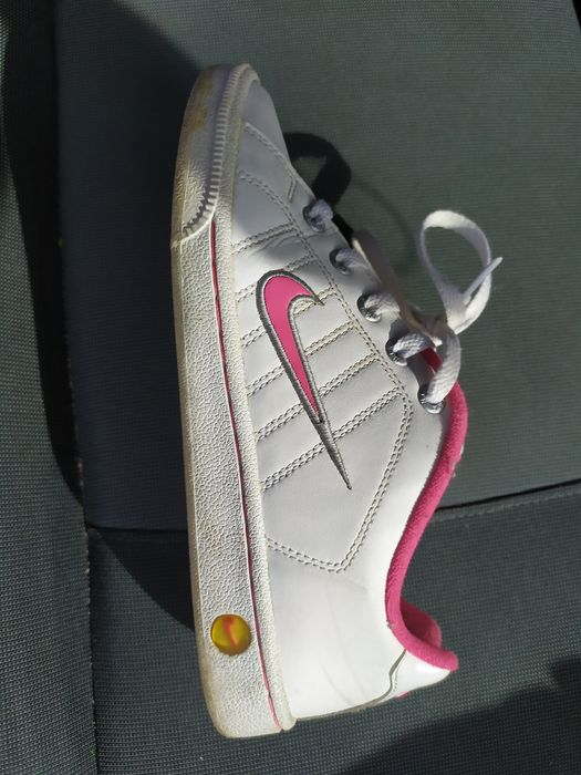Tênis Nike 37,5 Almada, Cova Da Piedade, Pragal E Cacilhas - imagem 1