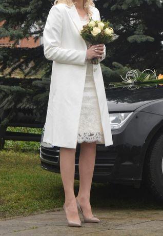 Kremowy płaszczyk do ślubu rozmiar 38 M