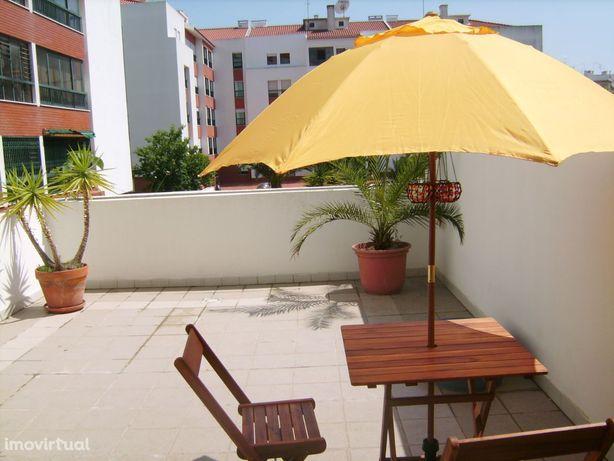 Apartamento em frente ao Parque dos Poetas, Oeiras.