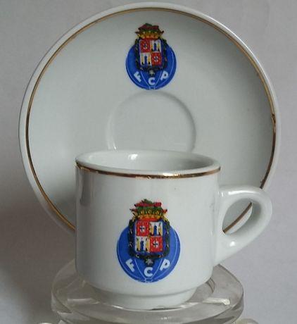 Chavena e pires do futebol club Porto