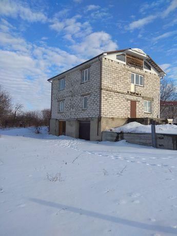 Продам 2-х этажный дом 200 кв.м.