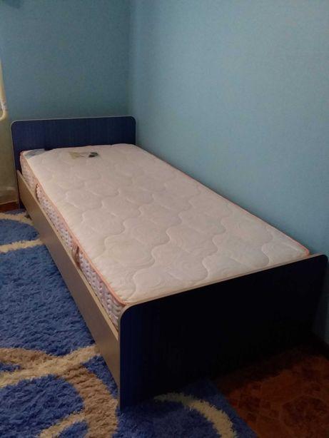 Односпальная кровать , ортопедический матрас