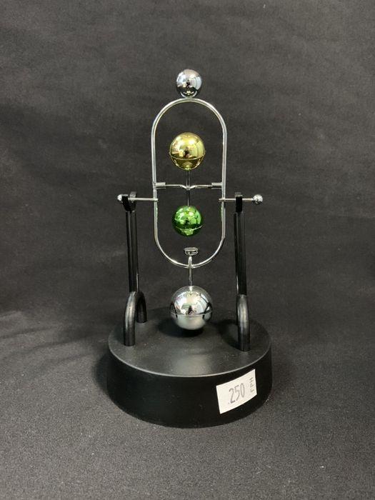 Настольный маятник. Вечный двигатель Южное - изображение 1