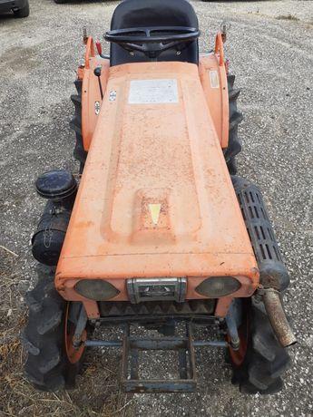 Trator agrícola 4x4
